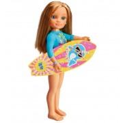 Nancy, un Día haciendo Surf - Famosa