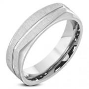Ezüst színű, matt felületű, hornyos nemesacél gyűrű