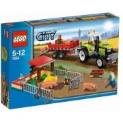 LEGO Pig Farm