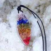 Pandantiv 7 chakre din cristale si pietre semipretioase, selenit, ametist, lapis-lazuli, peridot, citrin, carneol, coral roşu, cupru, alamă
