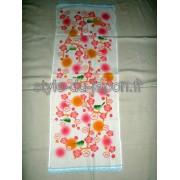 Tenugui avec des motifs de fleurs de prunier et uguisu
