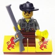 "Minifigure Packs: Lego Adventurers Jungle Bundle ""(1) Max Villano"" ""(1) Figure Display Base"" ""(2) Figure Accessories"""