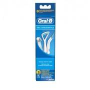 Oral-B Oral Care Essential szájápolási szett IP17 X 1