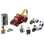 """LEGO® City Police Cazul """"camionul de remorcare"""" - L60137"""