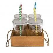 Gläser-Set mit Kunststoff-Deckeln und Trinkhalmen im Holz-Aufsteller