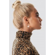 Statement By NA-KD Influencers Taraneh Shayesteh Paperclip Earring - Smycken - Gold