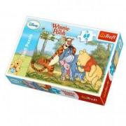 Puzzle Winnie La plimbare cu prietenii 60 pcs Trefl