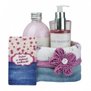 Bohemia Cosmetics Dárkové balení kosmetiky RŮŽOVÉ SNĚNÍ - šípek a růže