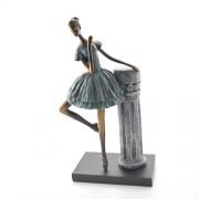 Statueta balerina pe suport din rasina