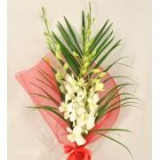 Buchet cu orhidee dendrobium alb