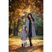 Dívčí kabát A střihu