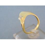 Zlatý dámsky prsteň jemný v žltom zlate kamienok DP55383Z
