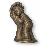 "Statueta ""Baietel ocrotit"""