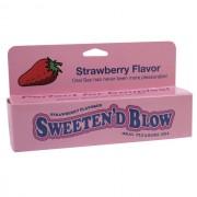 Sweeten D Blow: Strawberry Oral Gel