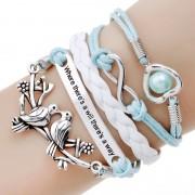 Bratara din multe straturi cu amulete alb cu albastru