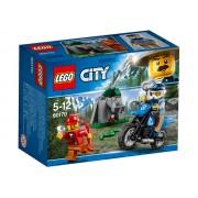 URMARIRE CU MASINA DE TEREN - LEGO (60170)