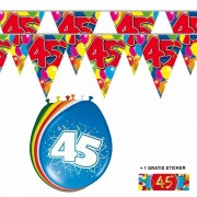 Shoppartners 2x 45 jaar vlaggenlijn + ballonnen