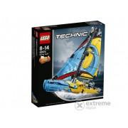 LEGO® Technic Trkaća jahta 42074