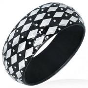 Fekete színű divatos karkötő, ezüst rombusz alakú dísszel