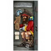 Decoração de porta pirata no WC