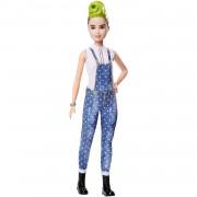 Barbie Fashionista Muñeca con Cabello Verde Peinado y Peto Tejano