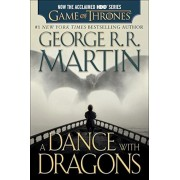 A Dance with Dragons (HBO Tie-In Edition): A Song of Ice and Fire: Book Five, Paperback