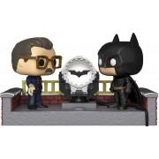 Funko POP! Movie Moment: Batman 80th con la bat-señal