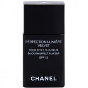 Chanel Perfection Lumière Velvet base veludosa para aspeto mate tom 40 Beige SPF 15 30 ml