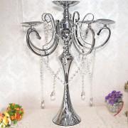 Sfesnic argintiu cu 6 brate pentru lumanari si cristale decorative