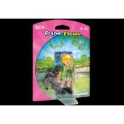 Figurina - Ingrijitor Zoo cu Pui de Gorila
