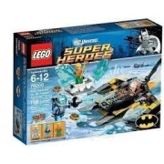 Game / Play LEGO Super Heroes Arctic Batman vs Mr Freeze 76000 Features Batboat and exploding ice block Toy / Child / Kid