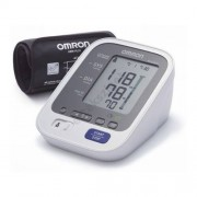 Omron M6 AC Confort automata felkaros vérnyomásmérő okos mandzsettával, adapterrel