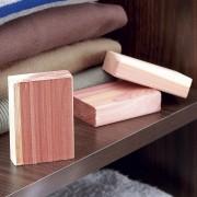 Blocuri lemn de cedru anti molii