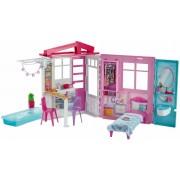 Mattel Barbie Casa Portatile Piccola con Piscina e Accessori (Bambola No...