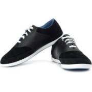 Puma Pooler MINI Sneakers For Men(Black, White, Blue)