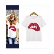 Camiseta De Algodón Patrón De Los Labios Cuello Redondo -Rojo