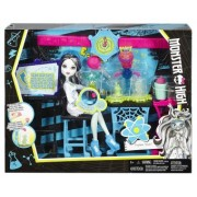 Monster High in Laborator cu Frankie Stein DNX37