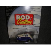 Hot Wheels 100% Rod & Custom Magazine Blue And White 1934 Ford Roadster Die Cast
