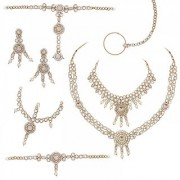Vivant Charms by JewelMaze Zinc Alloy Kundan Gold Plated Bridal Set- FAH0051