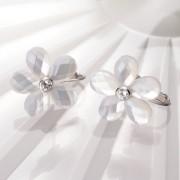 Flower イヤリング(ホワイト)