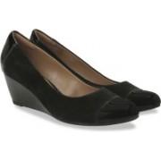 Clarks Brielle Chanel Black Combi Sde Slip On shoes For Women(Black)