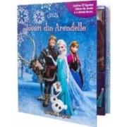Regatul de gheata - Jocuri din Arendelle - Contine 12 figurine Disney de plastic si o plansa de joc
