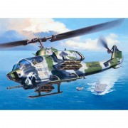 Macheta elicopter Revell AH 1W Super Cobra