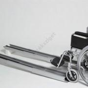 Két nyomvonalas rámpa mozgássérülteknek, teleszkópos