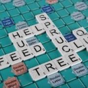 Joc Scrabble Braille, adaptat pentru nevăzători - DISPONIBIL LA COMANDĂ