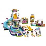 LEGO® Friends Piscina de vara din Heartlake - L41313
