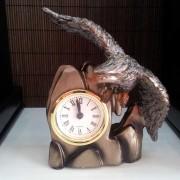 Статуетка Орел с часовник изработена от резин (SEZ1343)