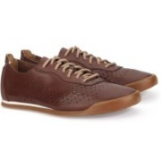 Clarks SIDDAL RUN CHESTNUT LEATHER Sneakers For Men(Brown)