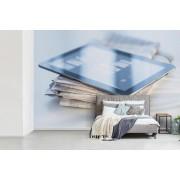 Fotobehang vinyl - Tablet en een krant breedte 450 cm x hoogte 300 cm - Foto print op behang (in 7 formaten beschikbaar)