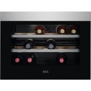 AEG KWK884520M beépíthető borhűtő